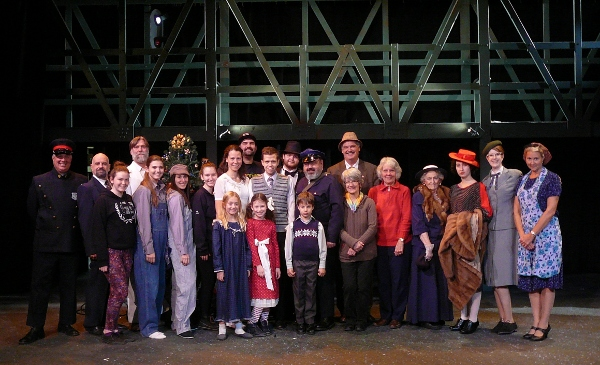 The cast and crew of It's a Wonderful Life